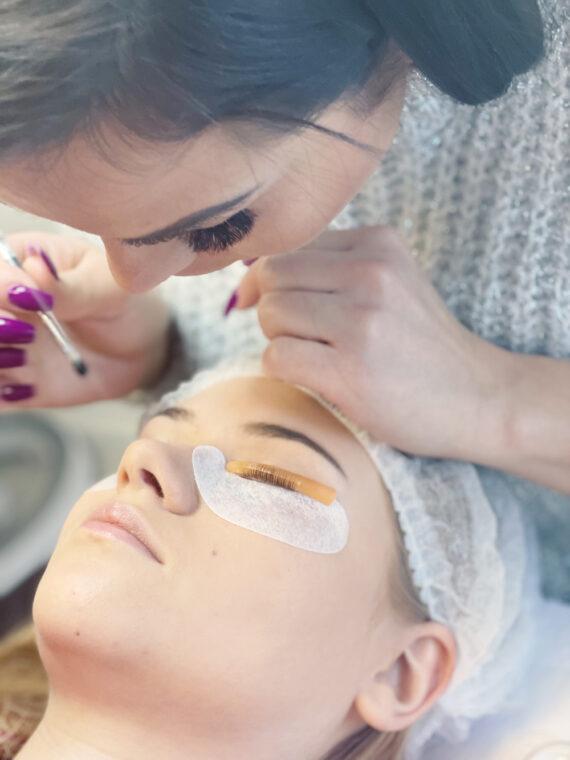 Kurs Liftingu i Botoxu/Laminacji Rzęs